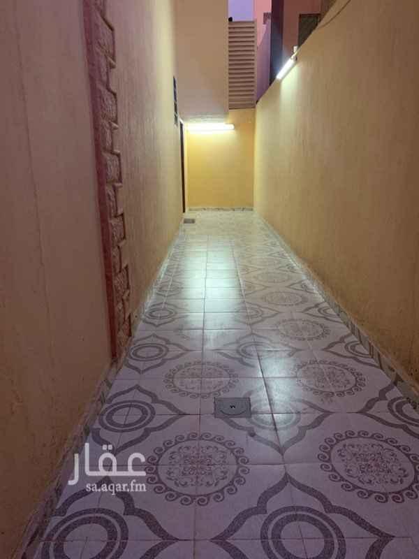 1808902 شقة أربع غرف وصالة مطبخ راكب السعر 16000قابل التفوض
