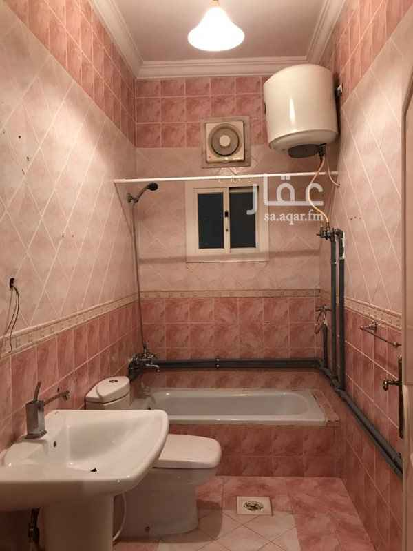 1402875 شقة للايجار بحي الصفا خلف مستشفى عبد اللطيف جميل  مساحتها ١٣٤م٢ مكونه من ٤ غرف وثلاث حمامات ومطبخ وصاله