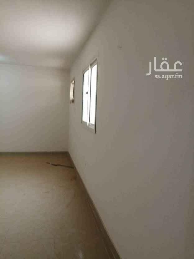 1446841 للايجار غرفه وحمام عوايل بحي العقيق في فيلا في السطح سطح خاص