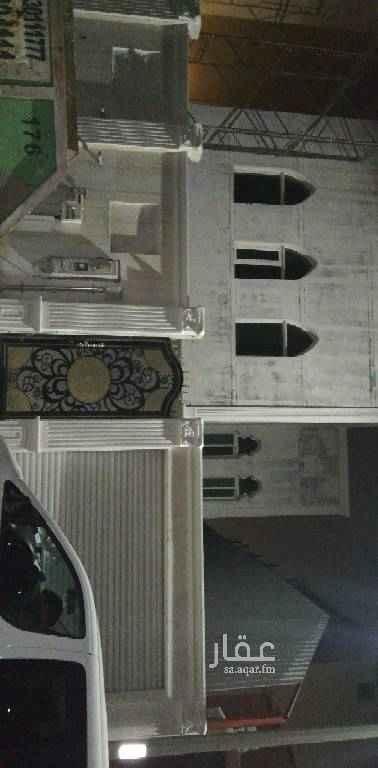 1503106 فيلا جديده علي التشطيب مساحه٣٦٥متر حي الفاخرية الأولي قريبه من طريق الجبيل الظهران ويوجد فيها درجين ومسبح وشغل راقي