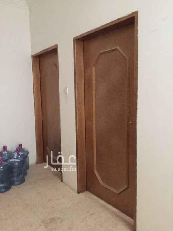 1773327 مدخلين للشقه    مجلس + مقلط رجال + غرفتين نوم وصاله  دورتين مياه