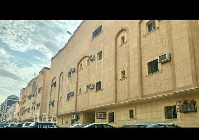 1691541 للبيع شقة في حي الأحمدية قريبه من قصر الأمير مقرن وقصر الأمير أحمد، مكونة من ٣ غرف وصالة ومقلط و٣ دورات مياة، عمرها ٨ سنوات..