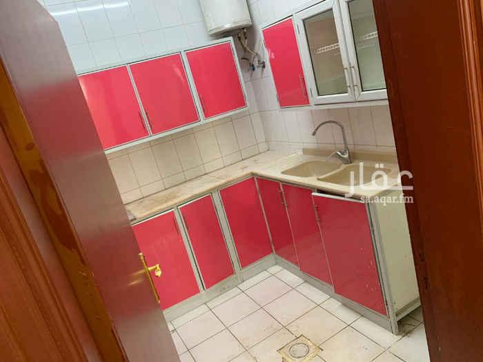 1751434 ملحق للايجارنظيف جدا / الرياض في حى  الحزم  شارع المشتل،،،،يتكون من 2 غرف واسعه، و صاله  واسعة  ، و مطبخ، وحمام، و سطح خاص للمستاجر، قريب من جميع الخدمات    . للتواصل:0542222736