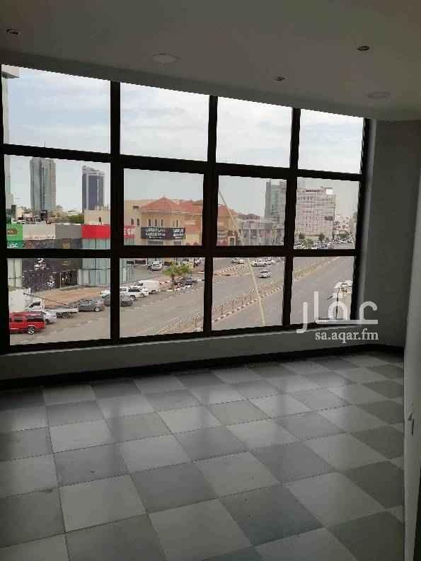 1574537 المواصفات :  غرفتين صاله مطبخ دورتين مياه  المميزات :  تكييف سنترال مصعد  موقع المكتب على شارع الامير فيصل بن فهد