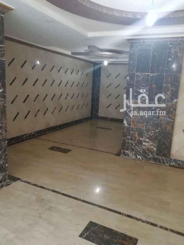 1262270 لقطه في حي النسيم شقه مكونه من 4 غرف وصالة ومطبخ و2 حمام وخزان مستقل السعر 💐 370 الف جوال 0534465327