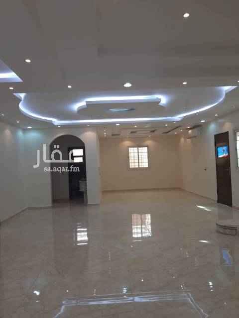 1486469 فيلا للإيجار بالملقا شرق طريق الخير محمد بن سعد شرق   مواصفات الفيلا الأرض صاله ومجلس ومقلط وغرفتين نوم والاول فوق غرفتين نوم