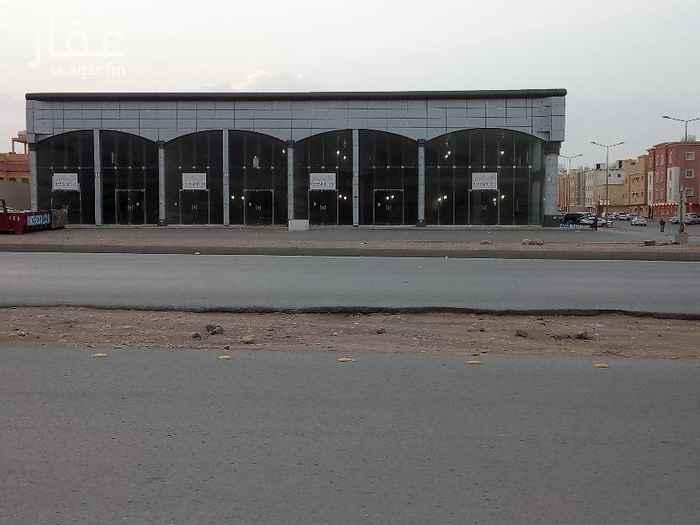 1556076 معرض للإيجار ميزانين علي طريق الامام سعود بمساحات مختلفة سعر المتر 700 ريال