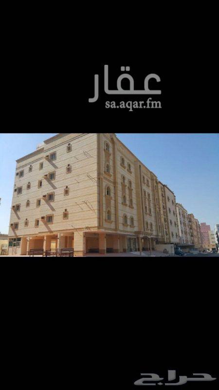 1000057 عماره استثماريه في حي المنار من 16 شقه من اربعه غرف وفله دورين من 10 غرف وكل شقه بصكها مساحته 880 شارعين مطلوب 4 مليون