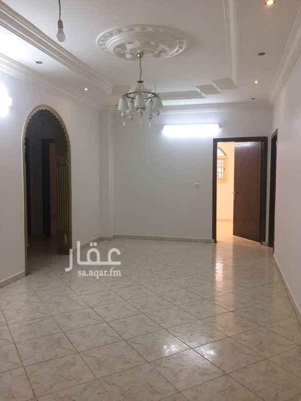 1514688 شقة في بطحاء قريش خلف مطعم حاشي باشا 4 غرف وصاله و 3 حمامات بمكيفاتها و المطبخ راكب المطلوب 18000