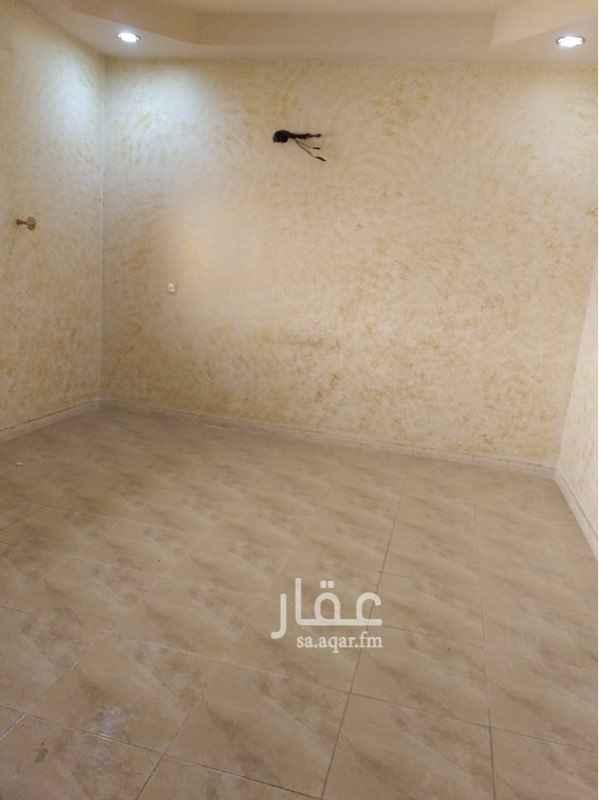 1583376 شقة 5 غرف و صالة و 3 دورات مياة الدور الاوضي مستخدمة على دفعتين فقط والمياء مع المستاجرين قريبة من مسجد بكة والخدمات قريبة جدا