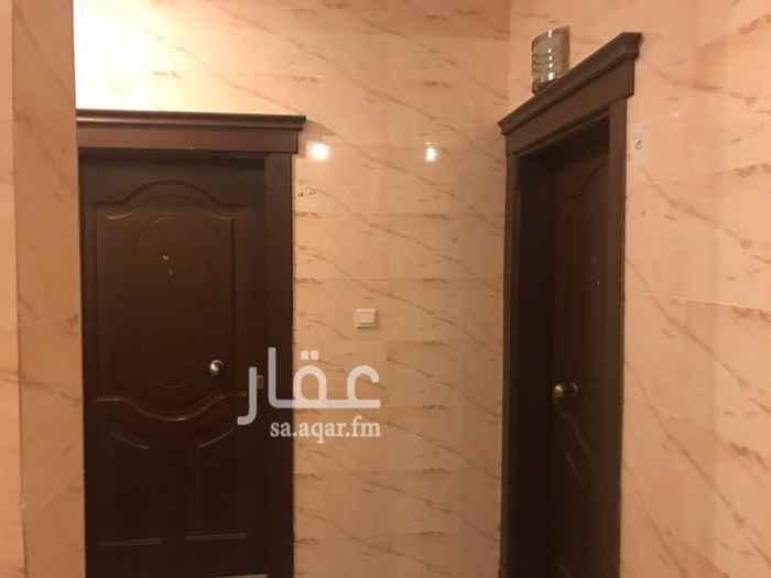 1208458 للبيع شقة في حي الزهراء 4 غرف وصاله وغرفة شغال  مطلوب 600الف ريال