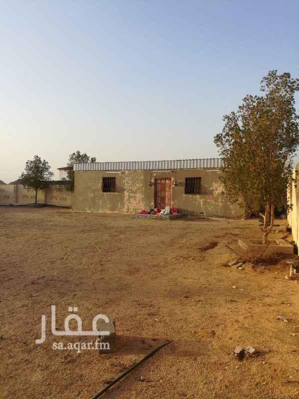 1377535 استراحه مكونه من غرفه وصاله و حمام ويوجد فيها كهرباء  بوثيقه رسميه