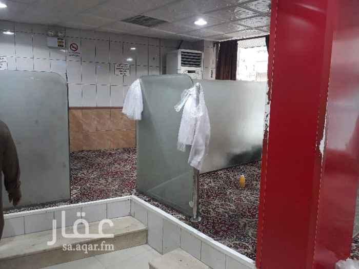 1362921 مطعم في شارع عسير للايجار أو التقبيل المطعم به معدات وشغال شغل طيب للاستفسار على المحل على رقم الإعلان