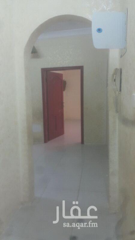 1493808 للأجار شقه بالنواريه خلف مركز دبي بجوار المستوصف مكونه من غرفتين وصاله وحمام وغرفة غسيل ومطبخ ومدخل مع السطوح   المبلغ 9000 ريال