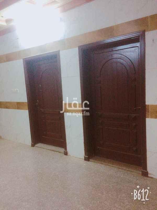 973263 شقه غرفتين غرف ومطبخ وحممين وصاله ومدخلين با1200 شامل الماء والكهرباء دور ارضي