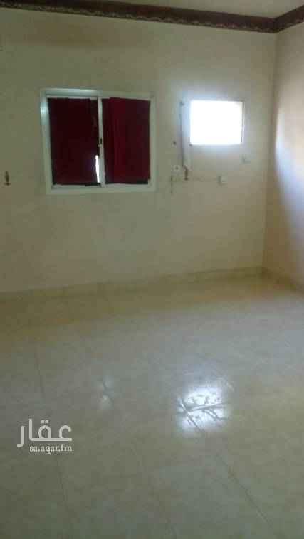 1674419 دور علوي مكون من ثلاثة غرف نوم ومجلس ومجلط وثلاث حمامات