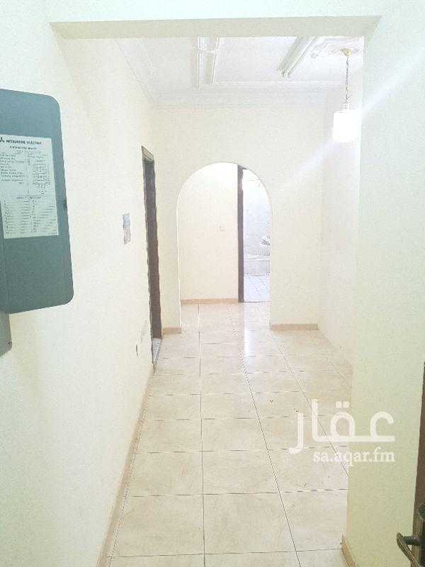 749989 مكتب للايجار بحي القدس شارع الأمير سعود الكبير بين مخرج ١٠/١١ أربع غرف و٢ حمام ومطبخ ومكيفات راكبه