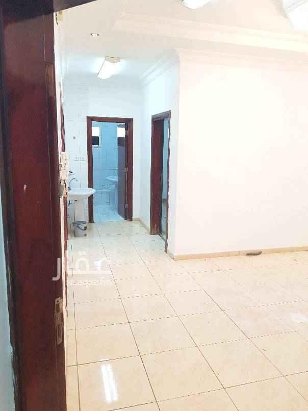 1588413 شقه للايجار بحي الأندلس ثلاث غرف وصاله و٢حمام ومطبخ راكب