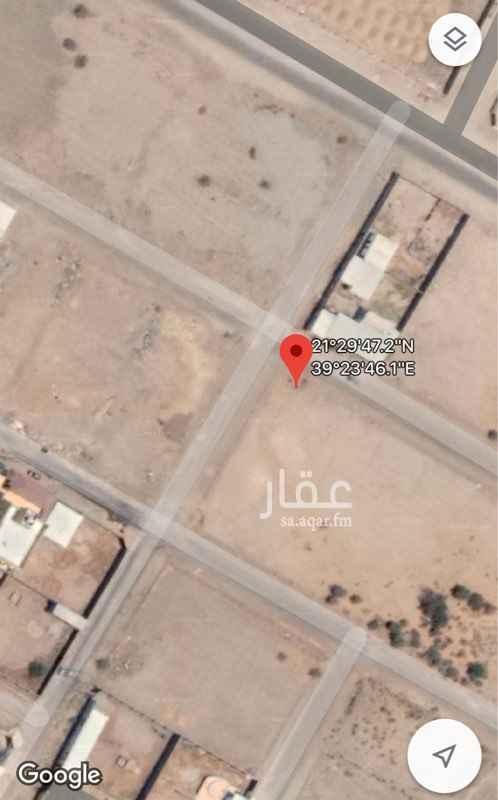1759495 ارض بوثيقة على شارعين ١٥ م غير محوشة فضاء