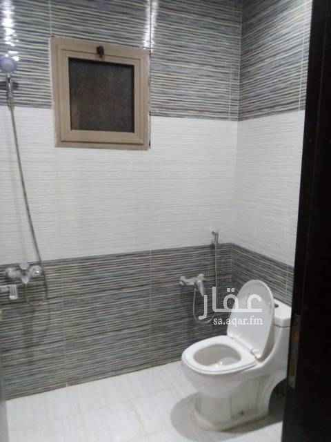 1506042 شقة بحى الوادى  شقة فى فيلا بحى الوادى مدخل خاص مكونة من :-  غرفتين  صالة مطبخ حمامين  مع سطح خاص اللوكيشين غير صحيح شامل موية وكهربة