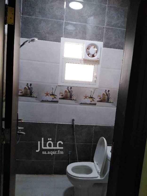 1653592 شقة جديدة فى فيلا بحى العقيق مكونة من ;- غرفتين نوم صالة دورتين مياه الشقة لم تسكن من قبل