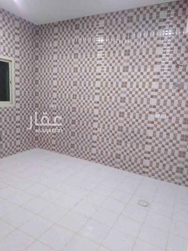 1762419 شقة فى فيلا بحي العارض الشقة مدخلين   مكونة من  غرفتين نوم مجلس صالة بدون مطبخ ومكيفات