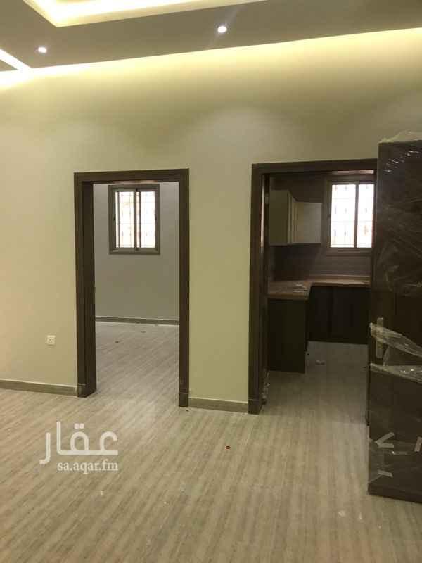 1454709 شقة للايجار في فيلا  @ تتميز @  - قريبة من طريق الملك سلمان 400 م فقط وطريق ابو بكر الصديق ومسجد قريب   -مدخلين للشقة الواحدة رجال /نساء   -مطبخ راكب  - الغاز مجهز من أسفل الدرج  •••••••••••••••••••••••• الايجار للشقة الواحدة 27 الف ﷼ — ملاحظة : المالك يرغب في عرسان أو أسرة صغيرة وهادئة طريقة الدفع :  دفعة واحدة 25 الف  دفعتين 27 الف