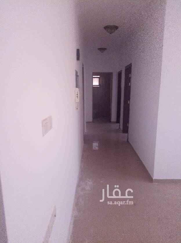 1812558 شقه حي الراكه الشماليه صاله وغرفتين نوم مطبخ وحمام تكييف شباك