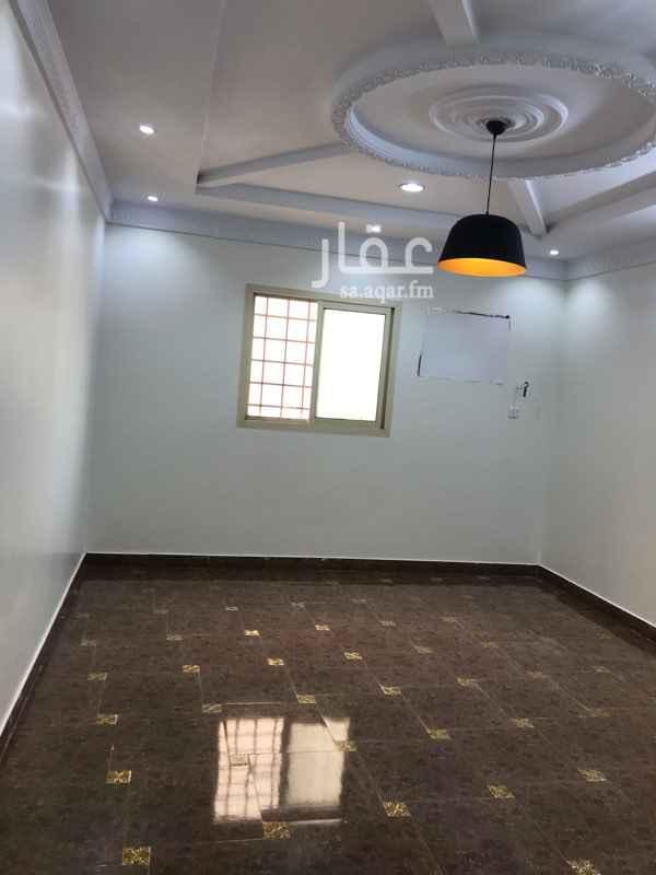 1489688 اربع غرف+ صالة + دورتين مياة +مطبخ + مستودع صغير
