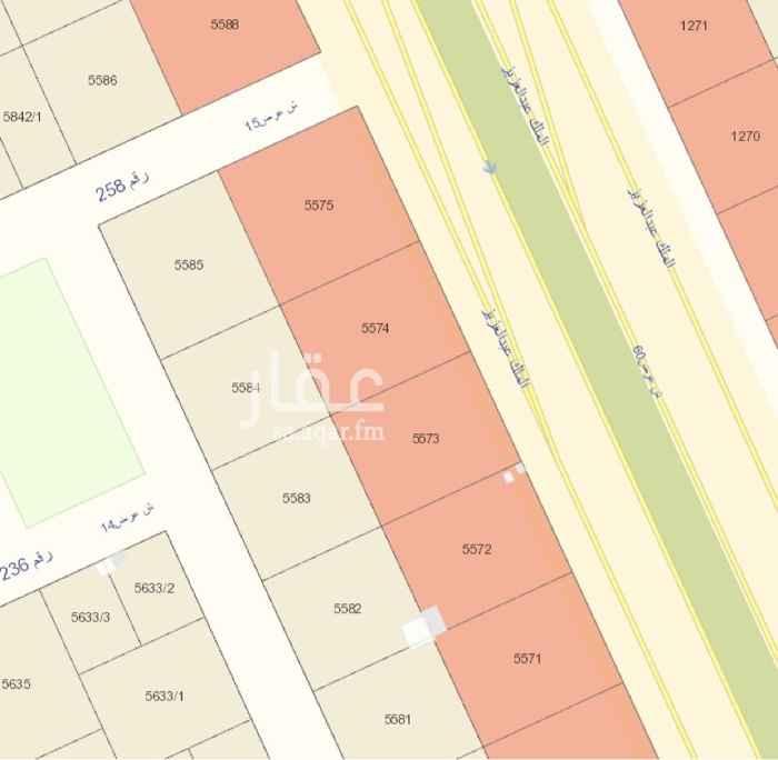 1540060 للبيع أرض تجارية على الملك عبدالعزيز شارع ٦٠ م شرقي وشارع ١٥ غربي  المساحة ١٦٤٧ م ٢٧ م على الشارع عمق ٦١ م