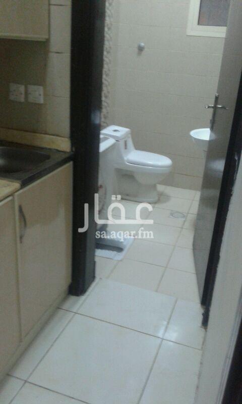 1502920 شقة مفروشة غرفة وصالة وحمام ومطبخ  فرش جديد  نهاية شارع الطائف قريبة من الخدمات والاسواق