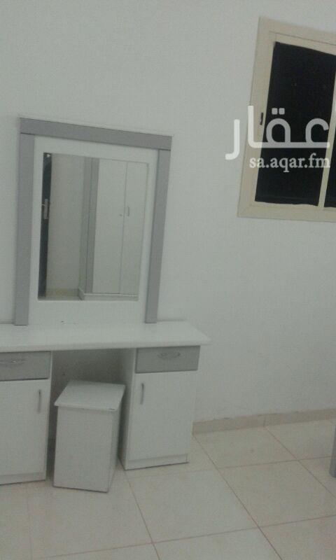 1522467 شقة غرفتين وصالة وحمام ومطبخ مفروشة  علي شارع الطائف خلف محطة الزيابي