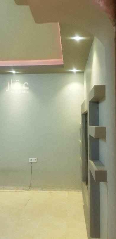 1754226 شقق عزاب لليجار في السلي حي السعاده شارع يزيد بن يزيد غرفتين وصالة ومطبخ وحمام علا ١٤٥٠٠سنوي  عداد كخرب مشترك