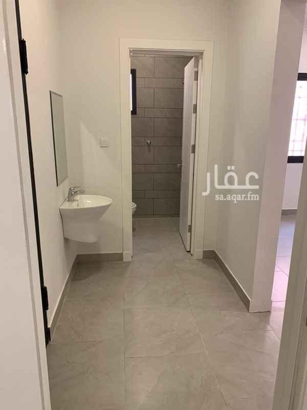1620085 شقة 3 غرف وصالة ودورتين مياة الشقة في الدور الاول وجديدة عداد كهرباء مستقل
