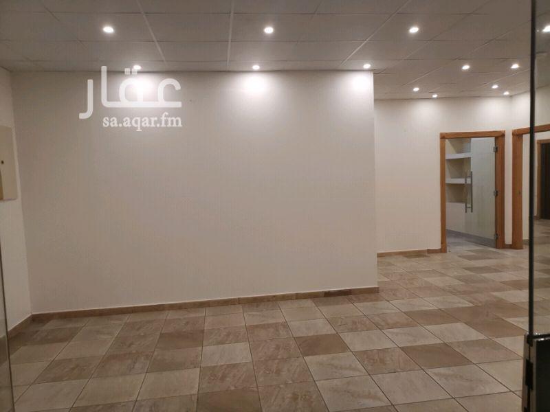 1360975 مكتب إداري للايجار بحي المروة مخطط الحرمين 1 شارع عامر بن ابي ربيعة  3 غرف وصالة ومطبخ وحمام بعمارة تجارية (غير مرخص)