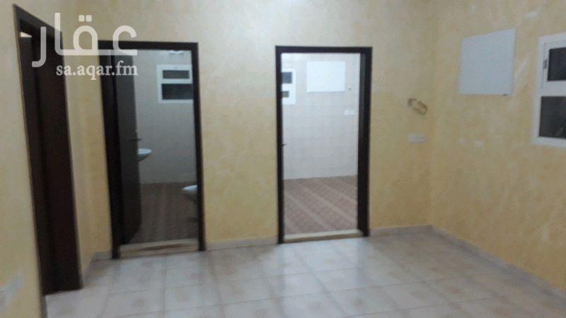 1386150 شقه2غرف وصالة في فيلا للايجار /مكونه من2غرف نوم وصالة وحمامين ومطبخ والدور العلوي مع سطح صغيرة .الشقه نظيفه جدا .اليرموك الشرقي .جوال .0540687093//0538760709