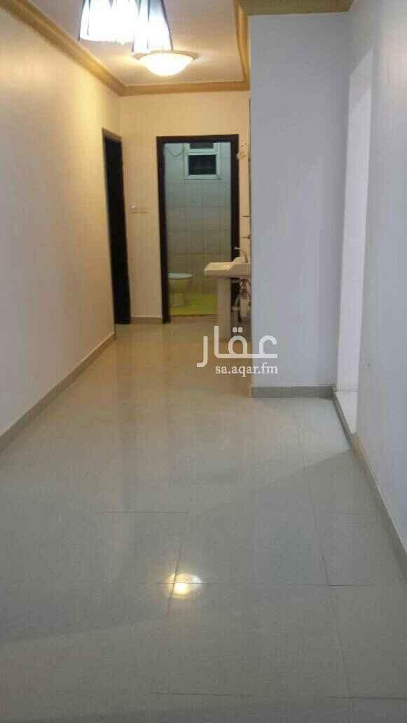 1809158 للإيجار شقة 3 غرفة مع صالة مع مطبخ مع دورتين مياه مدخل واحد مع سطح للتواصل 0538783023