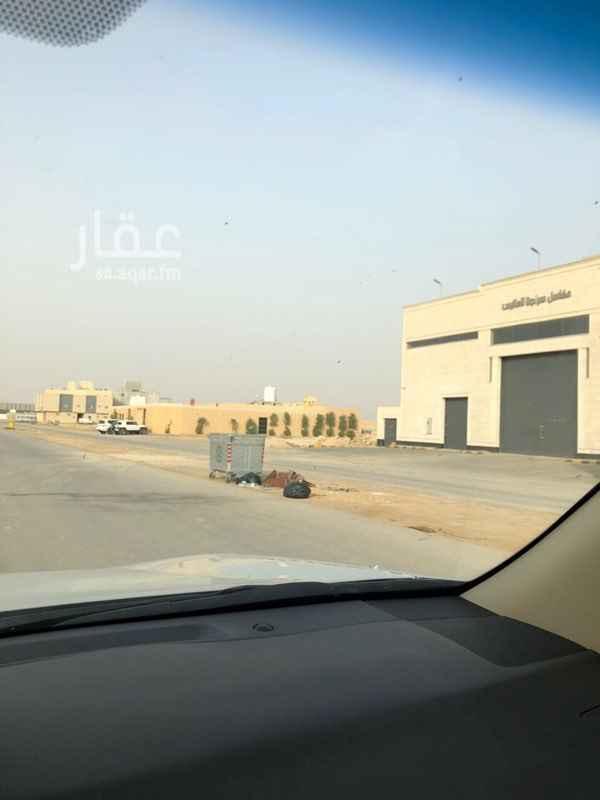 1031542 أرض للإيجار تنفذ على عثمان على بعد ٥٠٠ متر   *مكتب هزاع للعقارات*