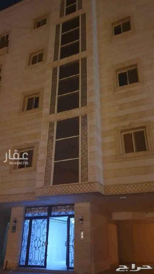 1747658 شقة بحي النعيم مساحة ١١٥ م مكونة من ٤ غرف و٢ حمام  عمارة عمرها ٣ سنوات يوجد موقف خاص السيارة ومصعد وخزان  مطلوب ٤٥٠ الف