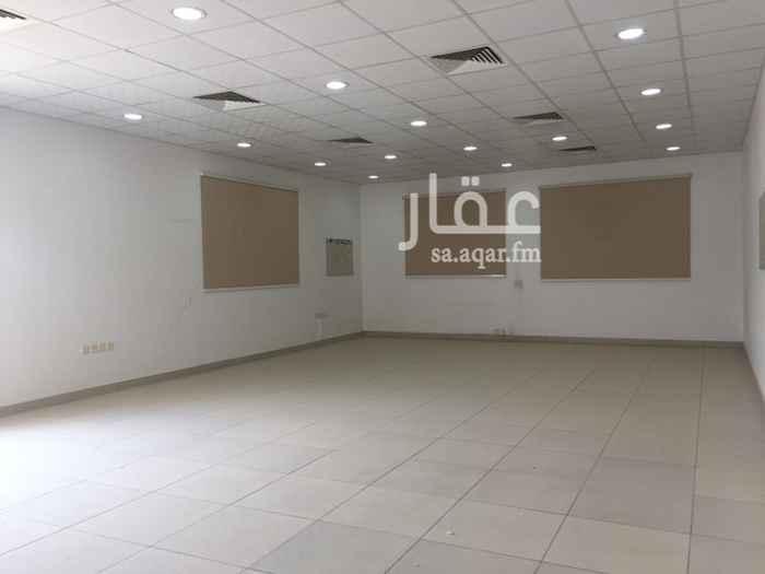 1584222 مكتب للايجار في طريق الملك عبدالعزيز   مساحة المكتب : ٩٥ متر سعر الايجار : ٦٠،٠٠٠  للتواصل  ٠٥٣٩١١٦٦١٦  توجد خيارات اخرى داخل المجمع للايجار