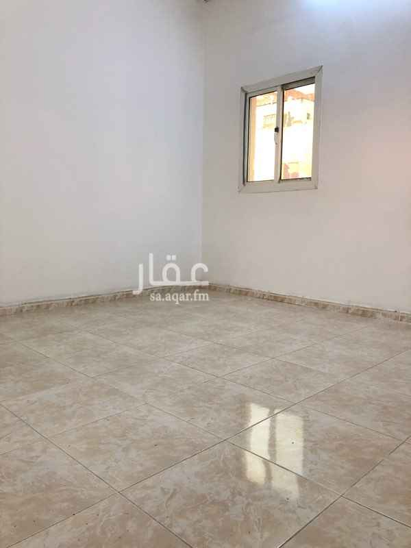 1814909 شقة في الدور الثالث غرفتين ومطبخ ودورة مياة الايجار يشمل الكهرباء والماء