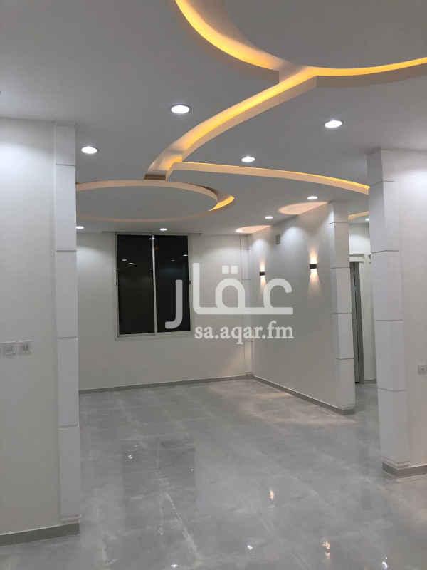 1711806 دور أرضي للبيع في حي المعالي شرق الرياض  شغل ممتاز وعلى الضمانات ....