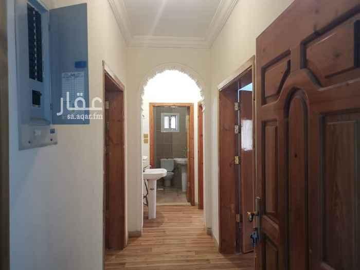1581104 شقة للايجار بمخطط الحرمين جوار مسجد زيد الخير  4 غرف واسعة وصالة ومطبخ راكب و3 حممات الدور الثاني واجهتين شرقي جنوبي  الإيجار السنوي /24,000