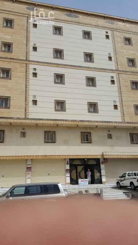 1612104 شقق للإيجار عمارة جديدة امام جامع وقريبة من خدمات  يوجد مصعد - - - - - - -  ((توجد شقق جديدة )) 4 غرف 2 حمام صالة مطبخ مدخلين للشقة  سعر الايجار-21,000 ريال في السنة على دفعتين- او 3 شهور  - - - - - - -   - - - - - -  للتواصل  050 460 4534