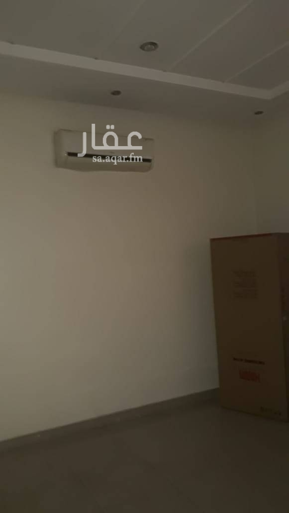 1549438 شقة عزاب غرفة وحمام ومطبخ نظيفة السعر ١١ الف