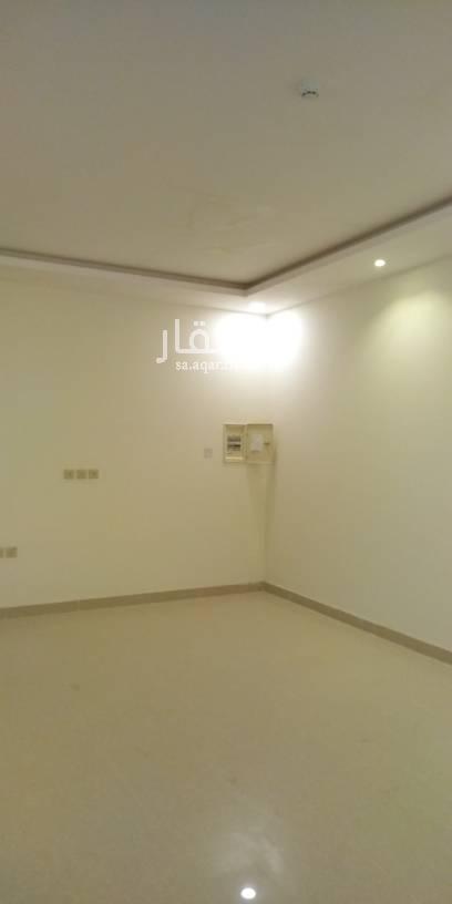 1511007 غرفتين وصاله و٢حمام ومطبخ راكب مكيفات معها سطح خاص اسبلت جديده اول ساكن