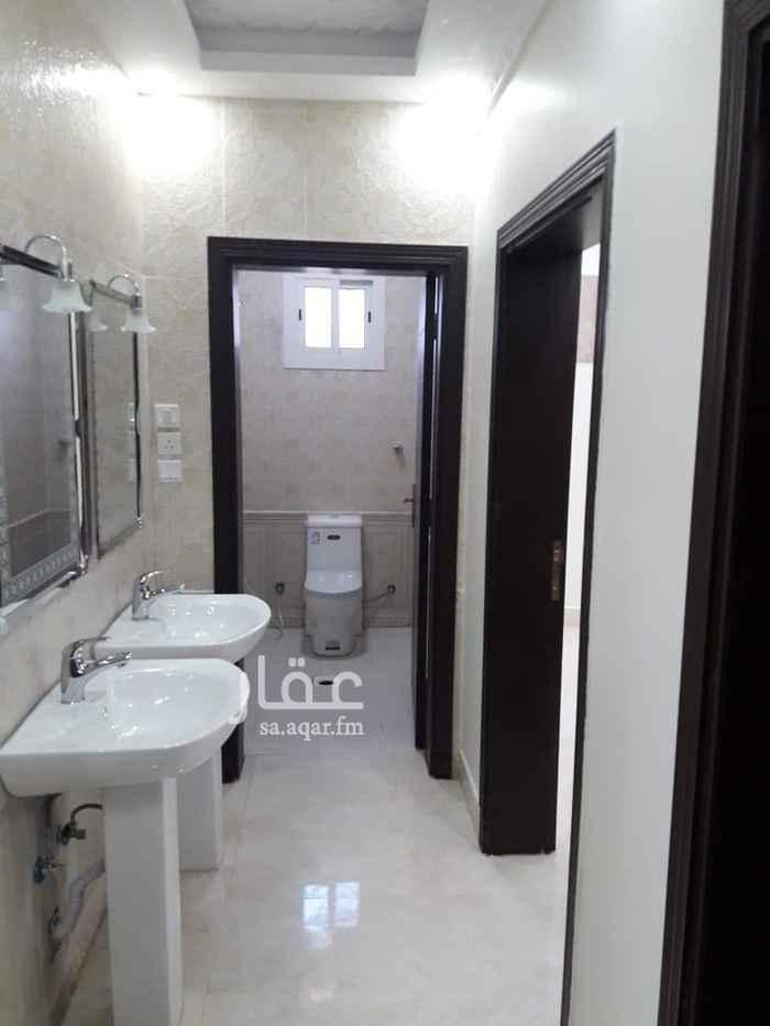1467503 شقتين جديده كل شقة خمسه غرف وصاله كبيره وثلاث حمامات وغرفة غسيل