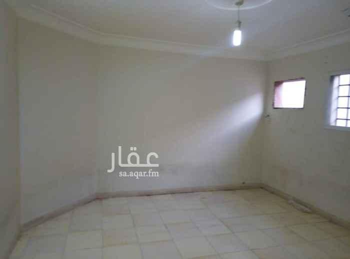 1501313 شقة للايجار ثلاث غرف وصالة دور ثالث مع السطح كهرب مستقل حي الخليج السعر 16000 ريال