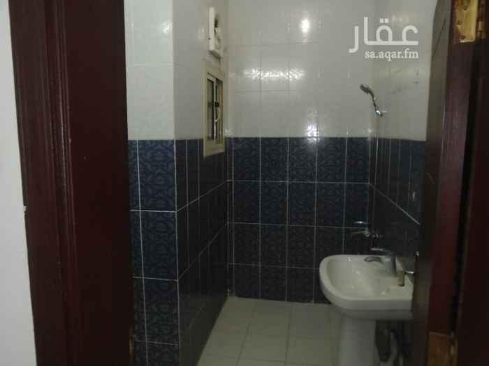 1503397 شقة 4 غرف للايجار مكونة من ( 3 غرف نوم + مجلس + صالة + مطبخ + 3 دورات مياه )  الشقة في الدور الأول بدون مصعد مجددة  الايجار السنوي / 20 ألف  مؤسسة رعد الغربية للخدمات العقارية / 0541272353