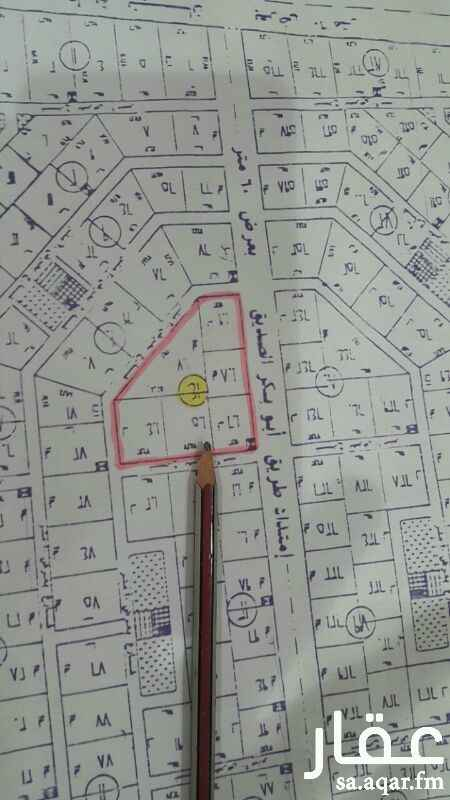 379788 للبيع  بلك تجاري سكني في بنبان مخطط الشبيلي رقم 14 مساحته 40000م2 منها 28000 م2 على طريق أبوبكر 60  السوم 350 ريال للمتر وحد البيع 500 ريال  معي واحد مع الوكيل